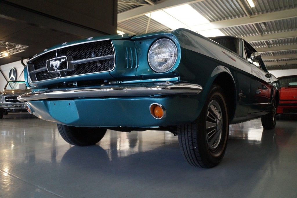 Buy this FORD MUSTANG 1965  at Legendary Classics (32)