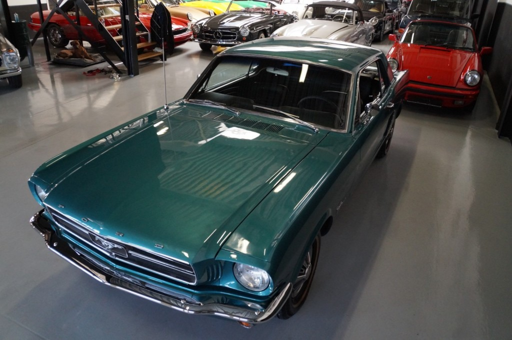 Buy this FORD MUSTANG 1965  at Legendary Classics (34)