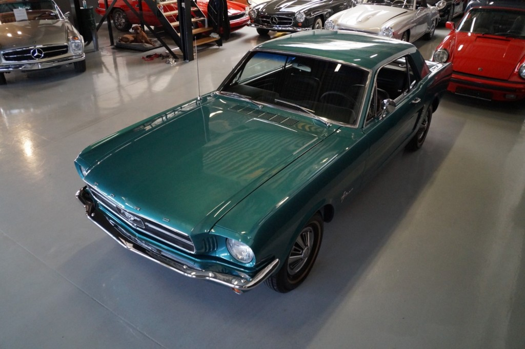 Buy this FORD MUSTANG 1965  at Legendary Classics (35)