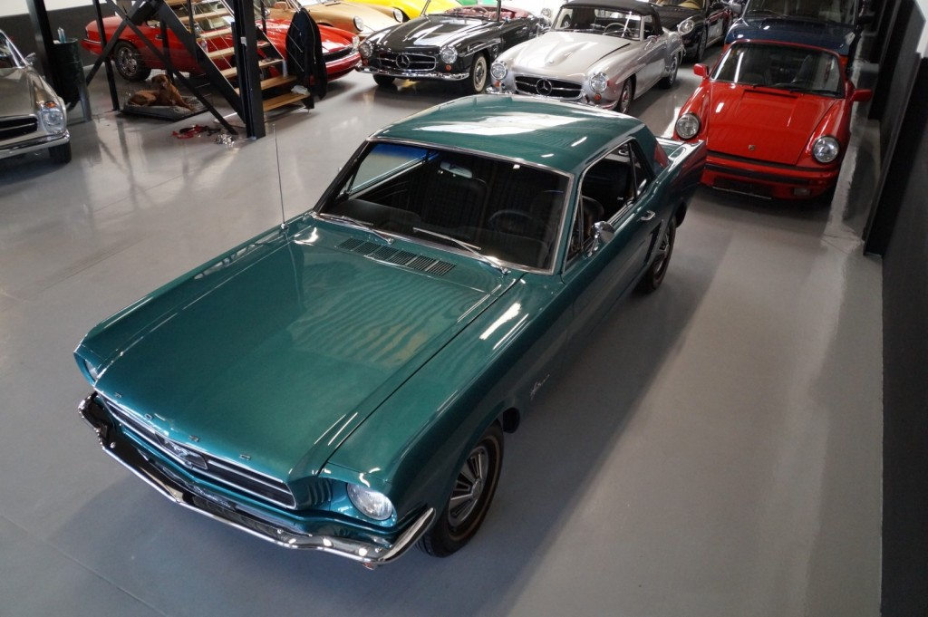 Buy this FORD MUSTANG 1965  at Legendary Classics (36)