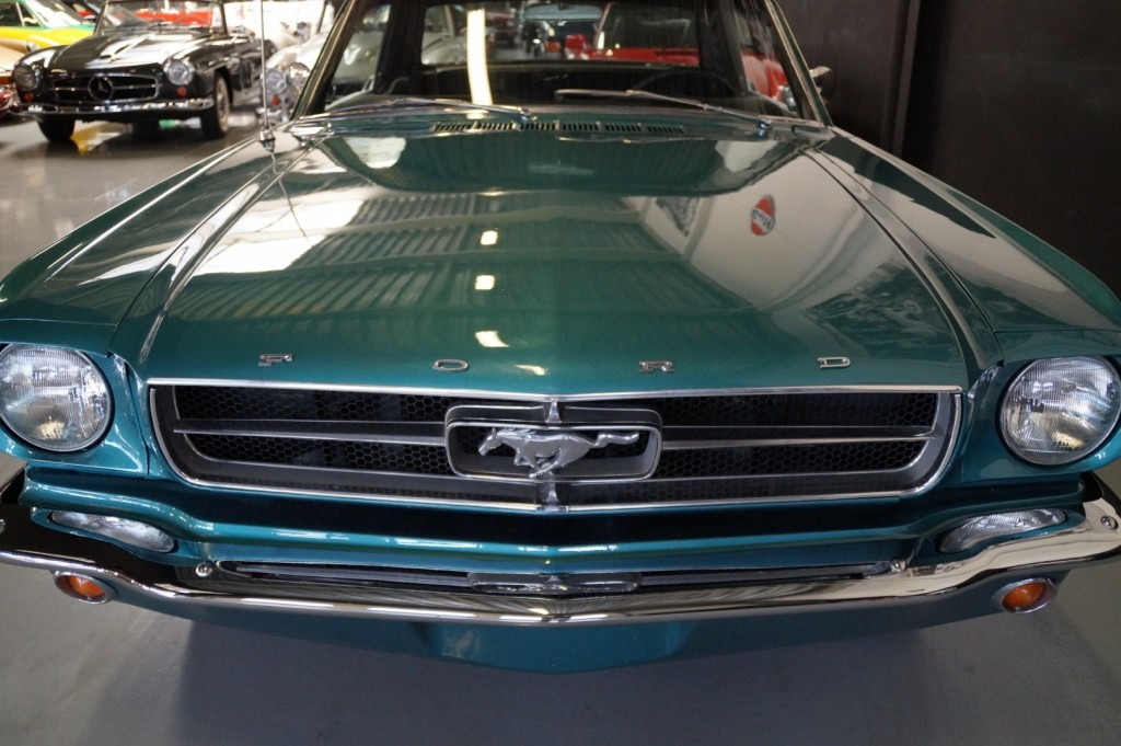 Buy this FORD MUSTANG 1965  at Legendary Classics (39)