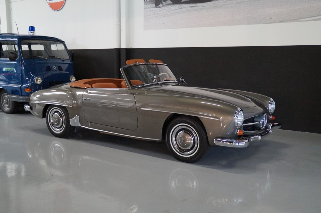 Buy this MERCEDES-BENZ 190 1957  at Legendary Classics (1)