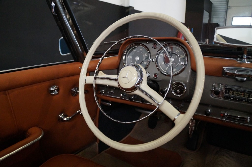 Buy this MERCEDES-BENZ 190 1957  at Legendary Classics (17)