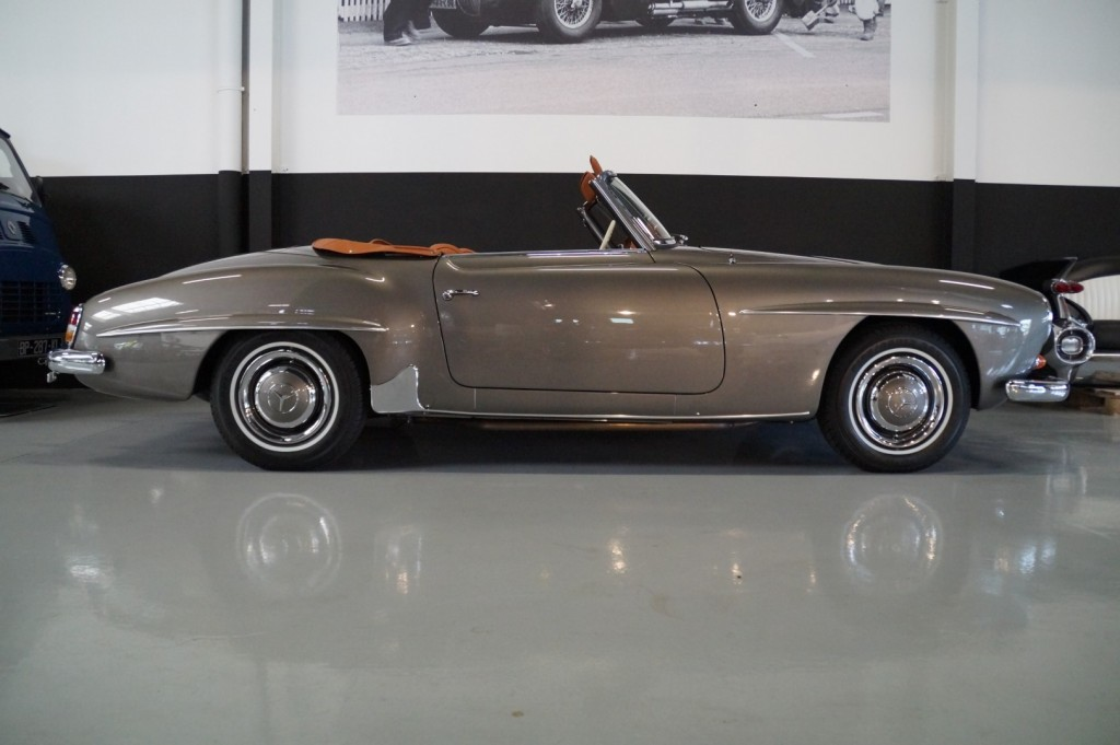 Buy this MERCEDES-BENZ 190 1957  at Legendary Classics (3)