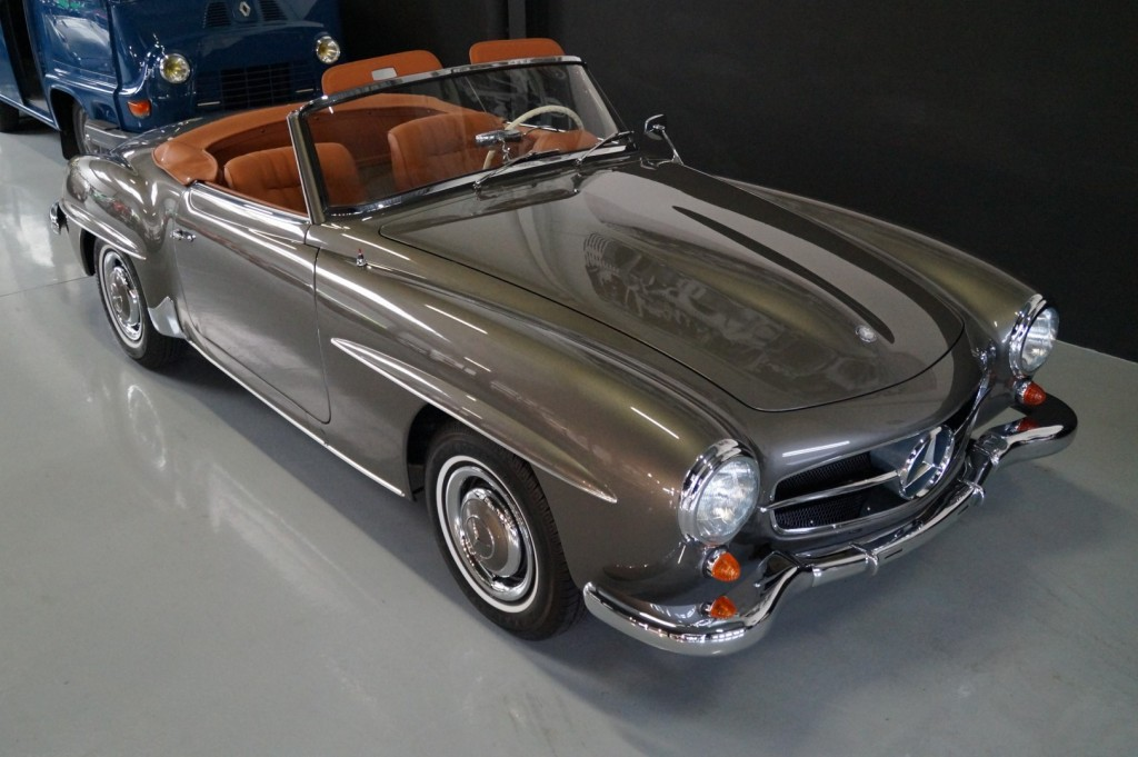 Buy this MERCEDES-BENZ 190 1957  at Legendary Classics (23)