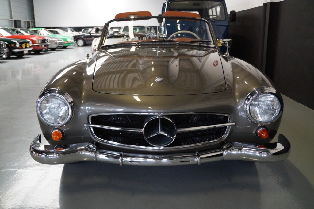 Buy this MERCEDES-BENZ 190 1957  at Legendary Classics (25)