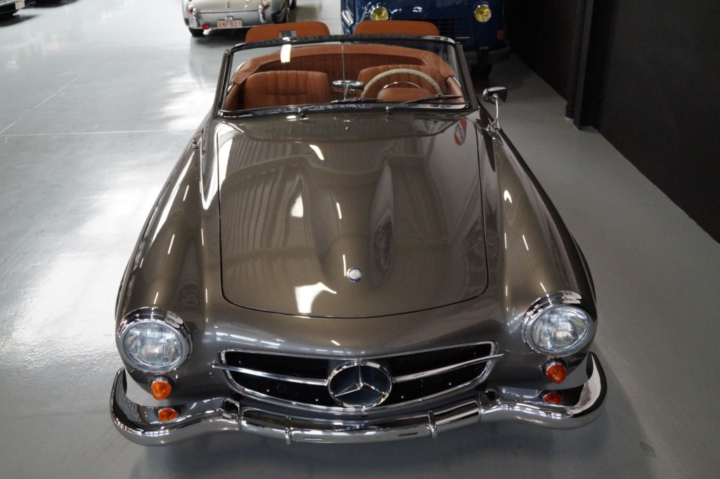 Buy this MERCEDES-BENZ 190 1957  at Legendary Classics (26)