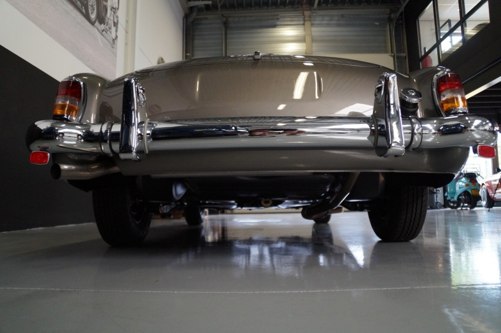 Buy this MERCEDES-BENZ 190 1957  at Legendary Classics (35)