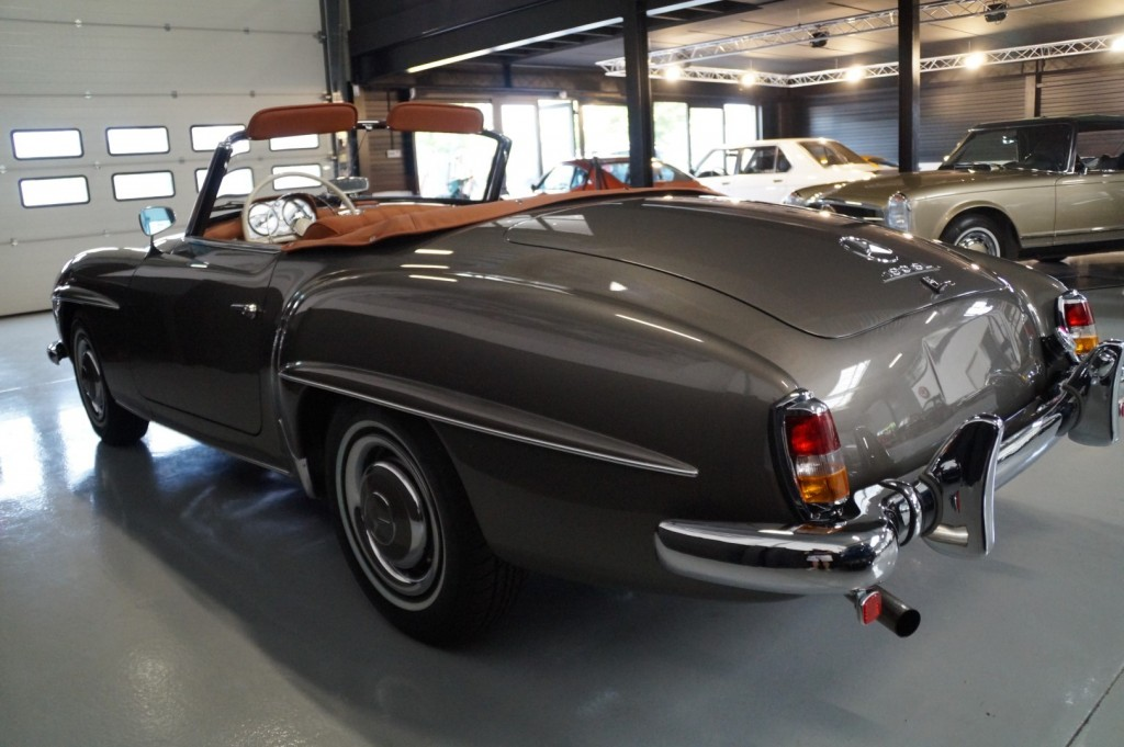 Buy this MERCEDES-BENZ 190 1957  at Legendary Classics (40)