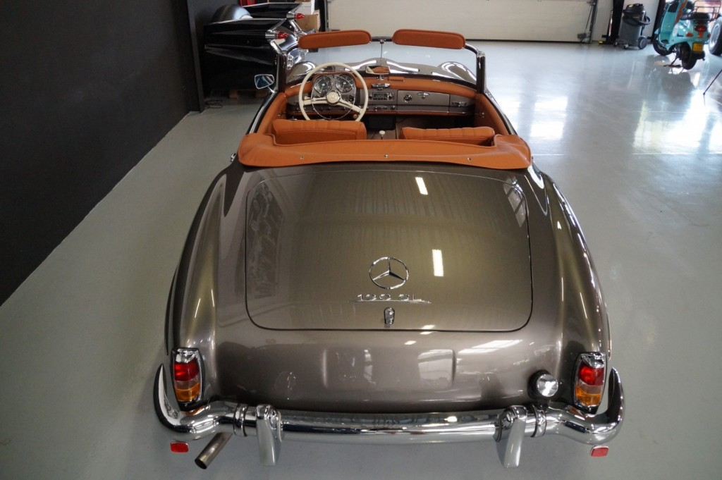 Buy this MERCEDES-BENZ 190 1957  at Legendary Classics (5)
