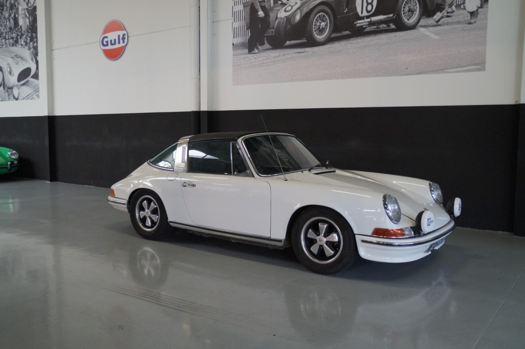 Buy this PORSCHE 911 1972  at Legendary Classics