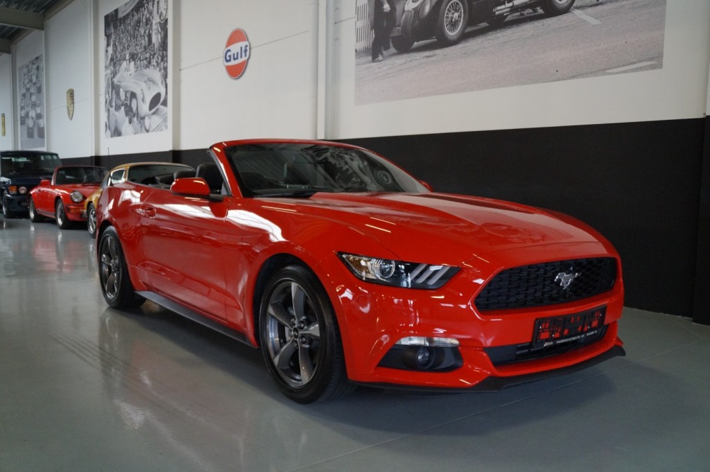 Buy this FORD MUSTANG 2016  at Legendary Classics (2)