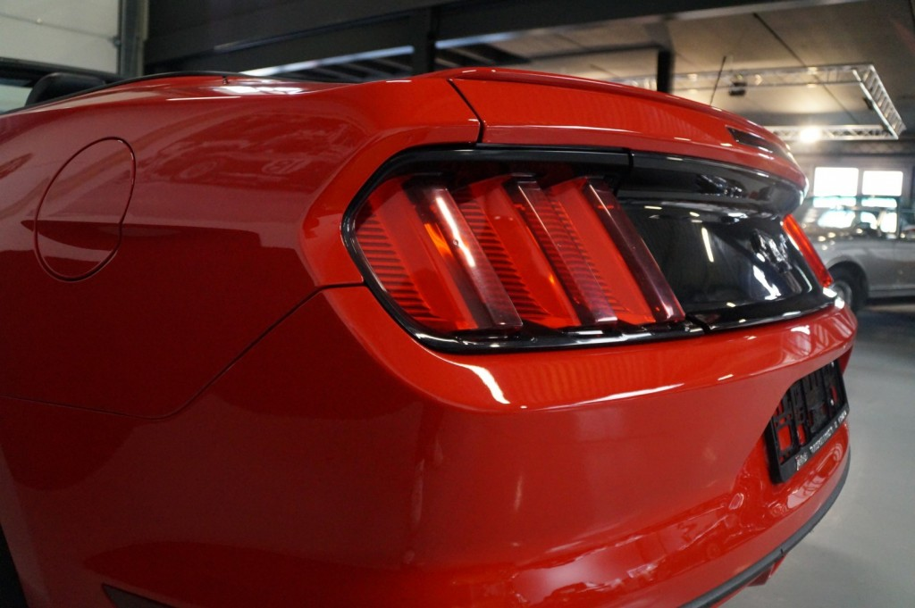 Buy this FORD MUSTANG 2016  at Legendary Classics (11)