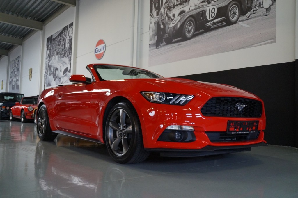 Buy this FORD MUSTANG 2016  at Legendary Classics (16)