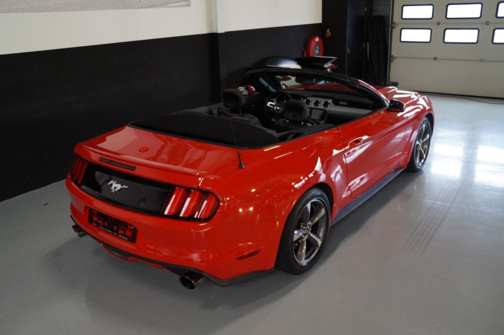 Buy this FORD MUSTANG 2016  at Legendary Classics (4)