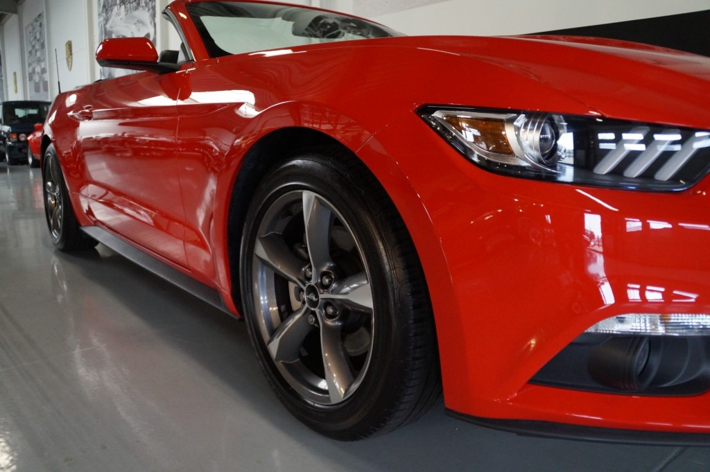 Buy this FORD MUSTANG 2016  at Legendary Classics (33)