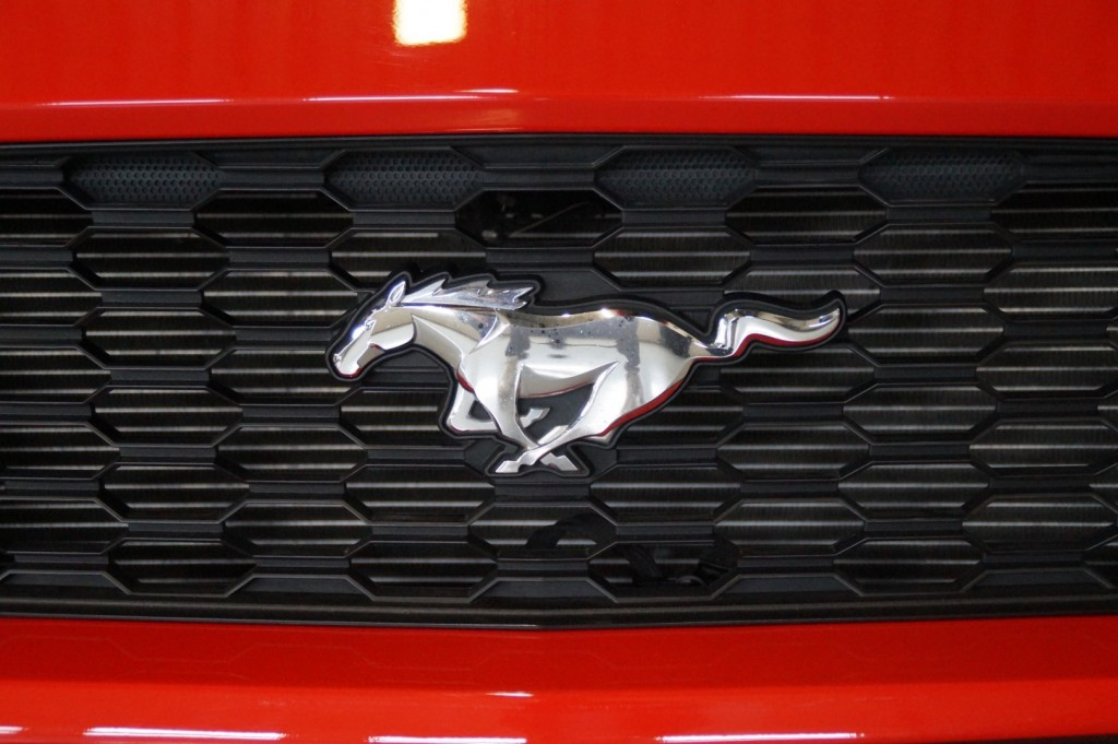 Buy this FORD MUSTANG 2016  at Legendary Classics (10)