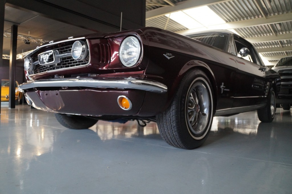 Buy this FORD MUSTANG 1966  at Legendary Classics (35)