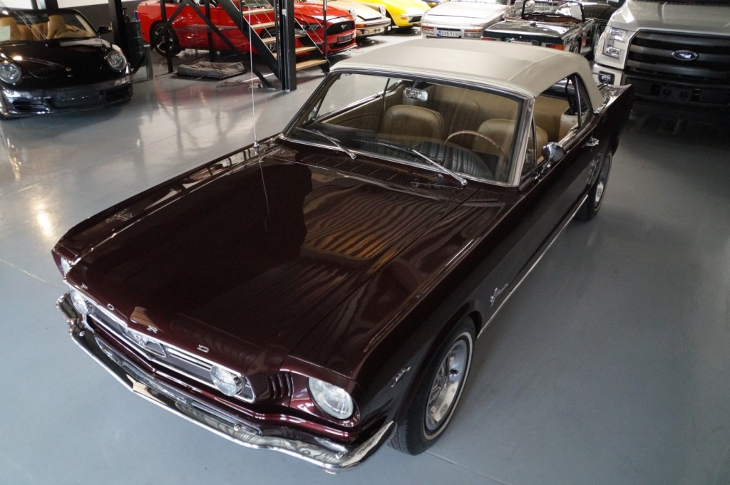 Buy this FORD MUSTANG 1966  at Legendary Classics (37)