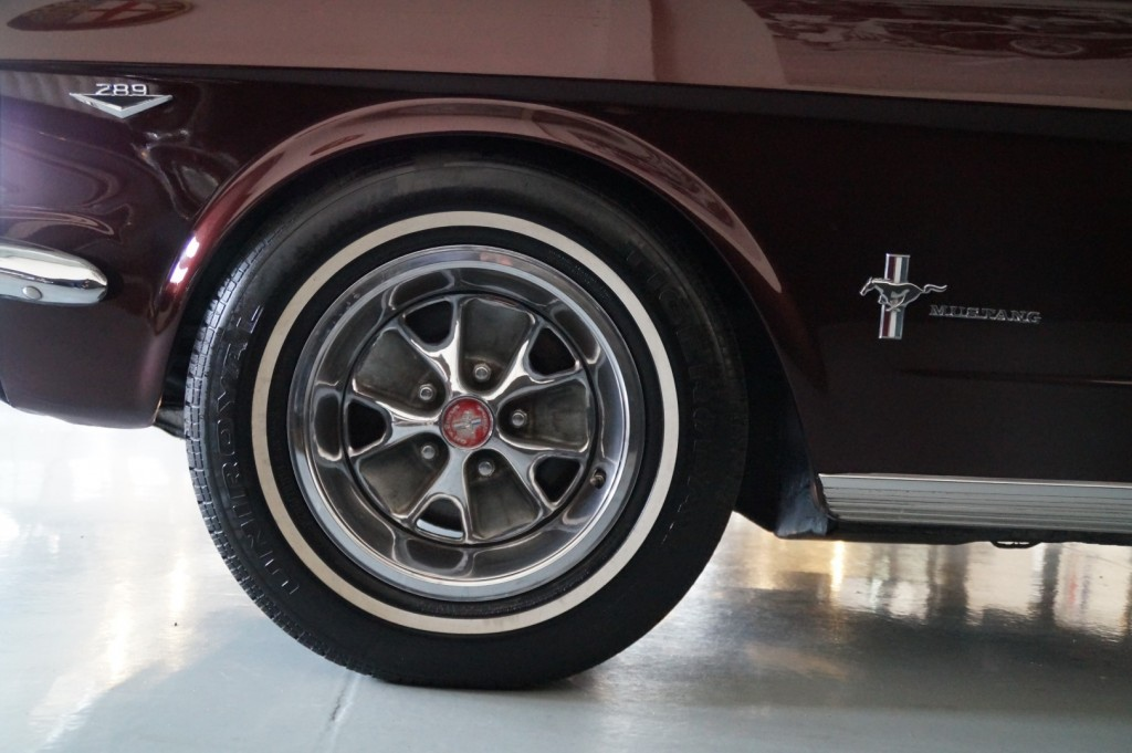 Buy this FORD MUSTANG 1966  at Legendary Classics (45)