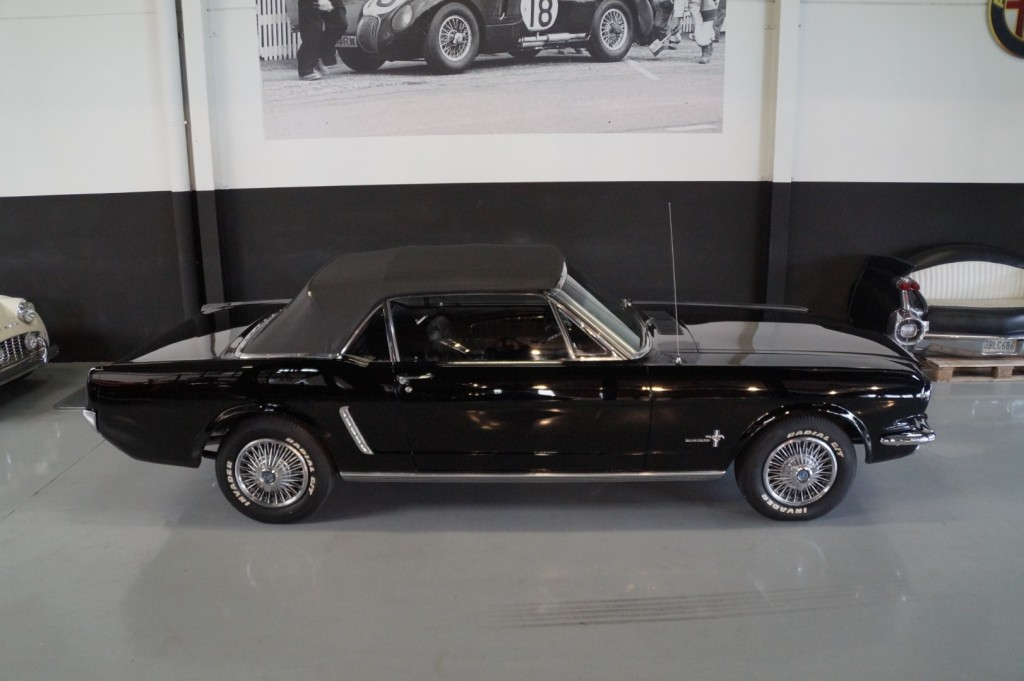 Buy this FORD MUSTANG 1965  at Legendary Classics (28)