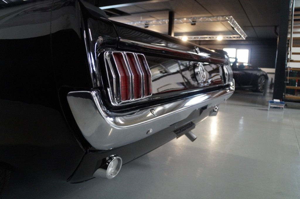 Buy this FORD MUSTANG 1965  at Legendary Classics (37)