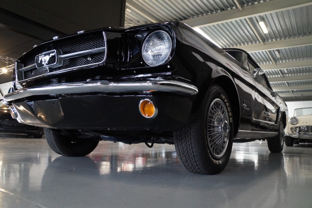 Buy this FORD MUSTANG 1965  at Legendary Classics (40)