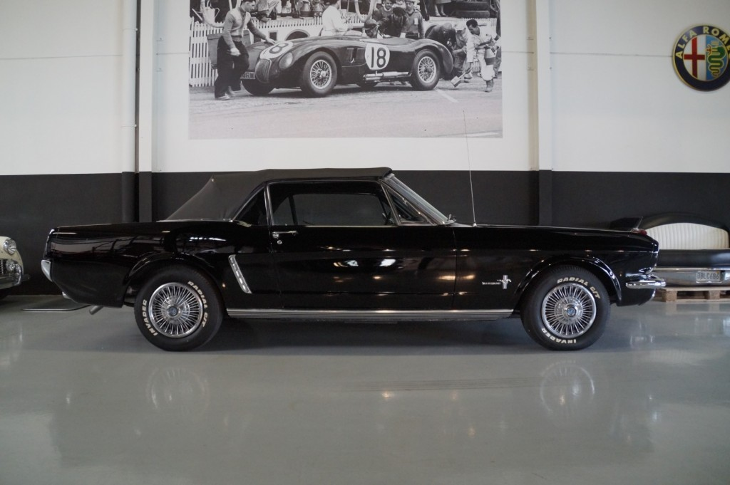 Buy this FORD MUSTANG 1965  at Legendary Classics (8)