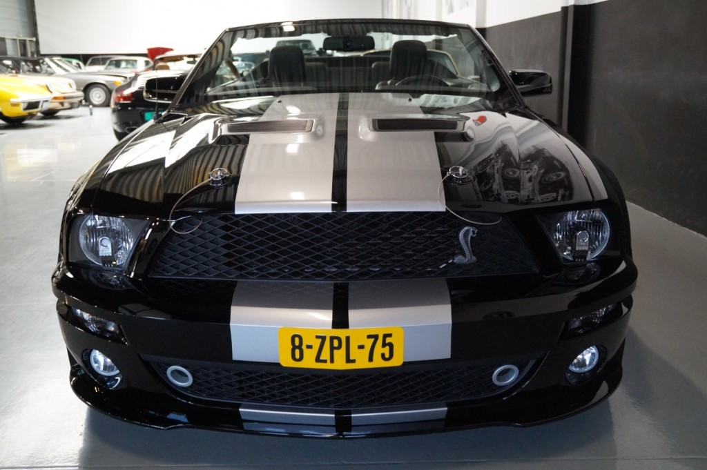 Buy this FORD MUSTANG 2009  at Legendary Classics (18)