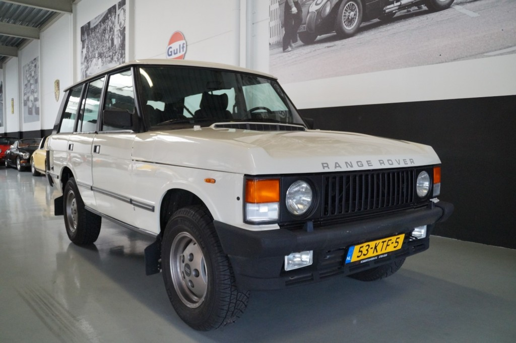 Buy this LAND ROVER RANGE ROVER 1985  at Legendary Classics (2)