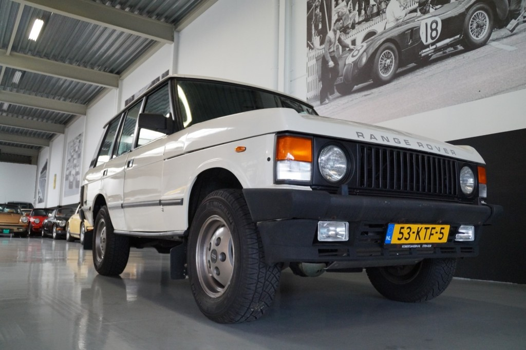 Buy this LAND ROVER RANGE ROVER 1985  at Legendary Classics (12)