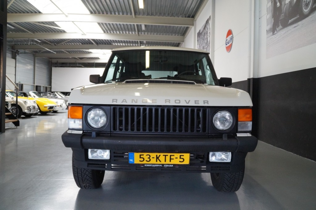 Buy this LAND ROVER RANGE ROVER 1985  at Legendary Classics (15)