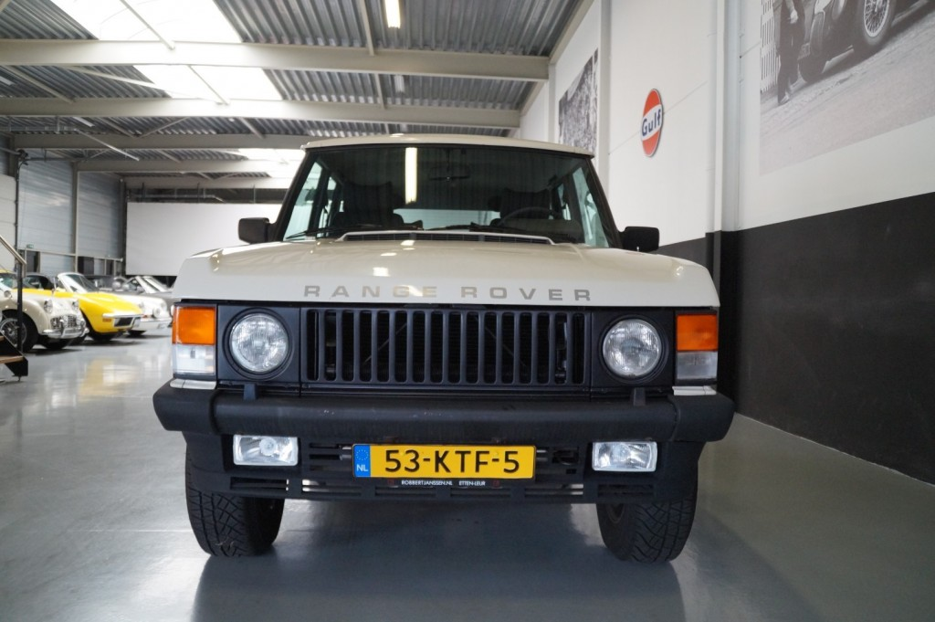 Buy this LAND ROVER RANGE ROVER 1985  at Legendary Classics (16)