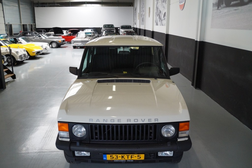 Buy this LAND ROVER RANGE ROVER 1985  at Legendary Classics (17)