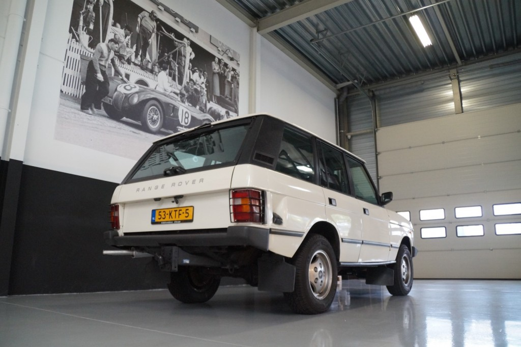 Buy this LAND ROVER RANGE ROVER 1985  at Legendary Classics (20)