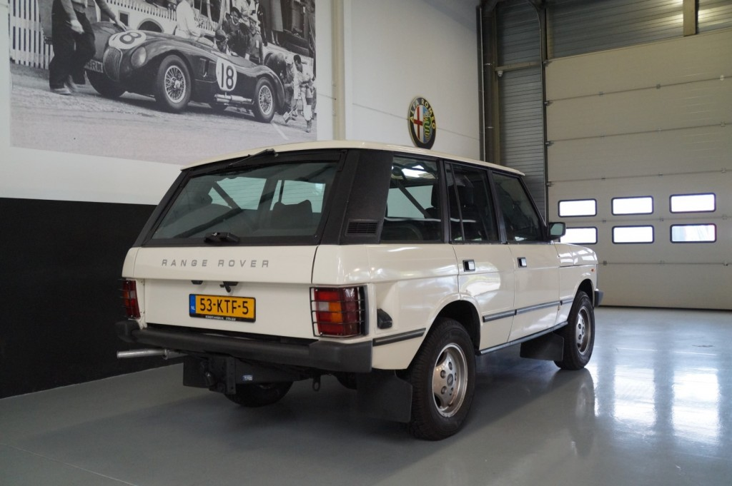 Buy this LAND ROVER RANGE ROVER 1985  at Legendary Classics (21)