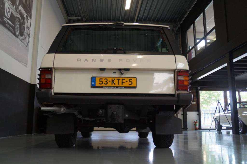 Buy this LAND ROVER RANGE ROVER 1985  at Legendary Classics (22)