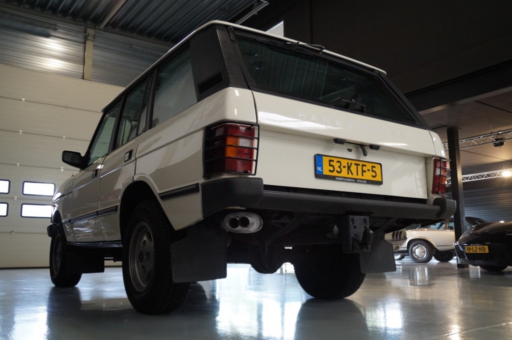 Buy this LAND ROVER RANGE ROVER 1985  at Legendary Classics (24)