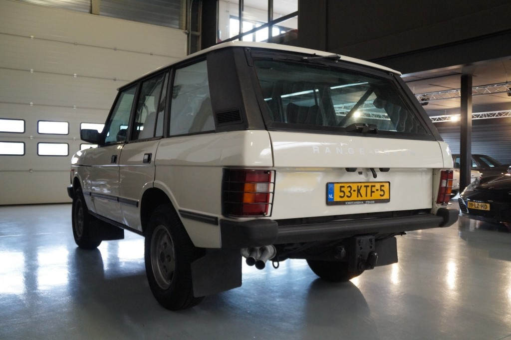 Buy this LAND ROVER RANGE ROVER 1985  at Legendary Classics (25)