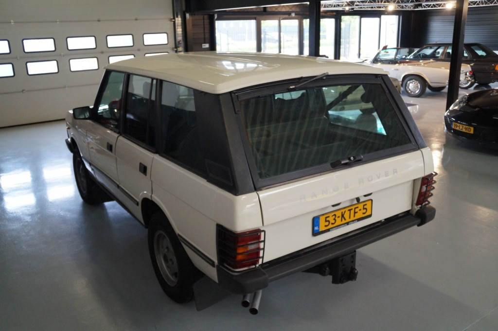 Buy this LAND ROVER RANGE ROVER 1985  at Legendary Classics (26)