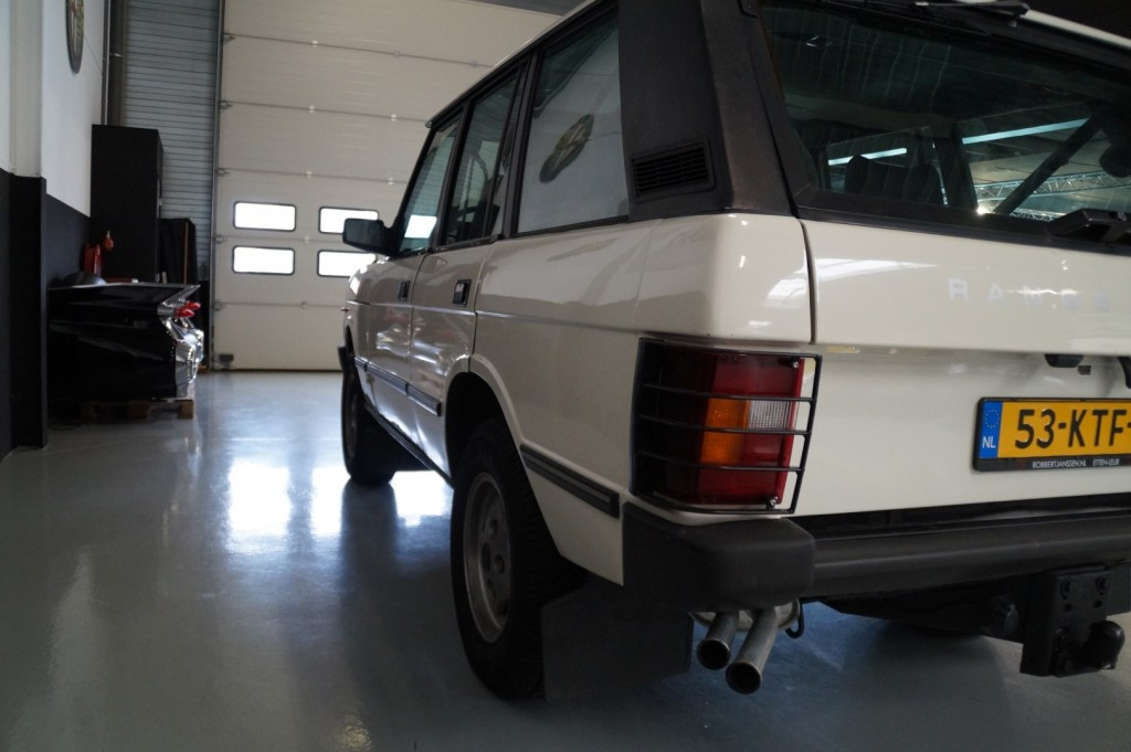 Buy this LAND ROVER RANGE ROVER 1985  at Legendary Classics (27)