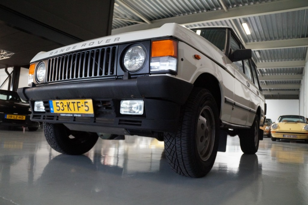 Buy this LAND ROVER RANGE ROVER 1985  at Legendary Classics (30)
