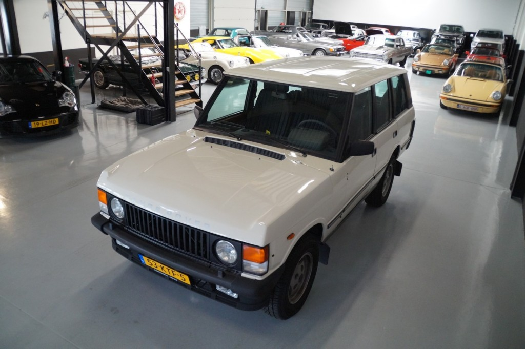 Buy this LAND ROVER RANGE ROVER 1985  at Legendary Classics (33)