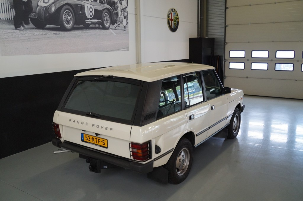 Buy this LAND ROVER RANGE ROVER 1985  at Legendary Classics (5)