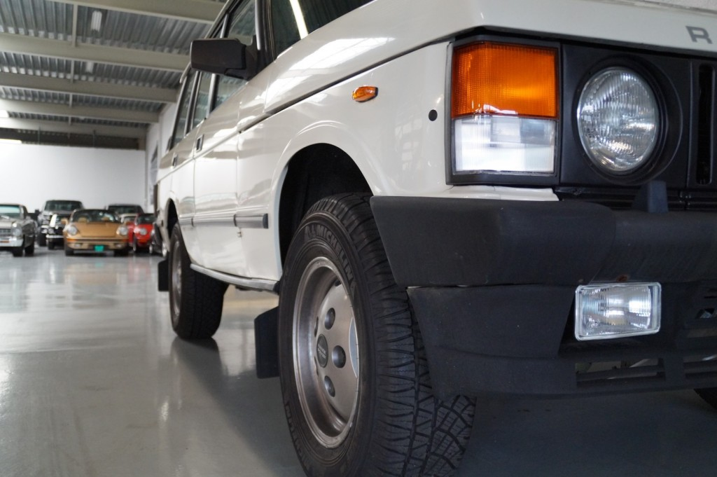 Buy this LAND ROVER RANGE ROVER 1985  at Legendary Classics (52)
