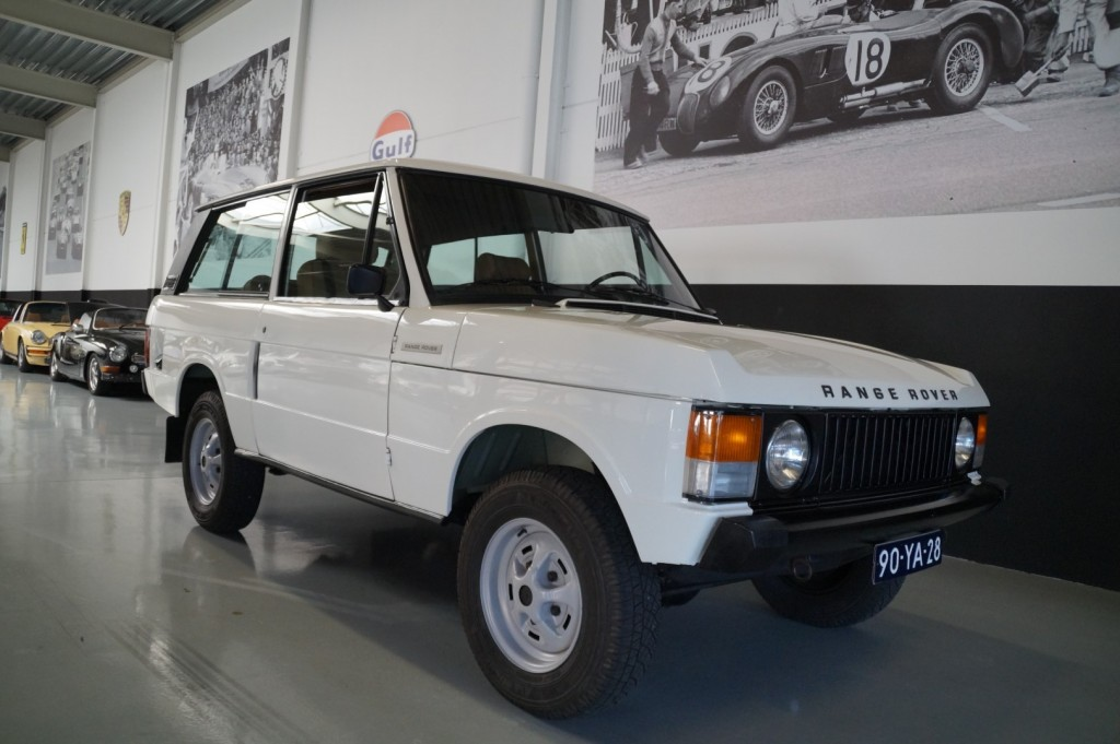 Buy this LAND ROVER RANGE ROVER 1977  at Legendary Classics (2)