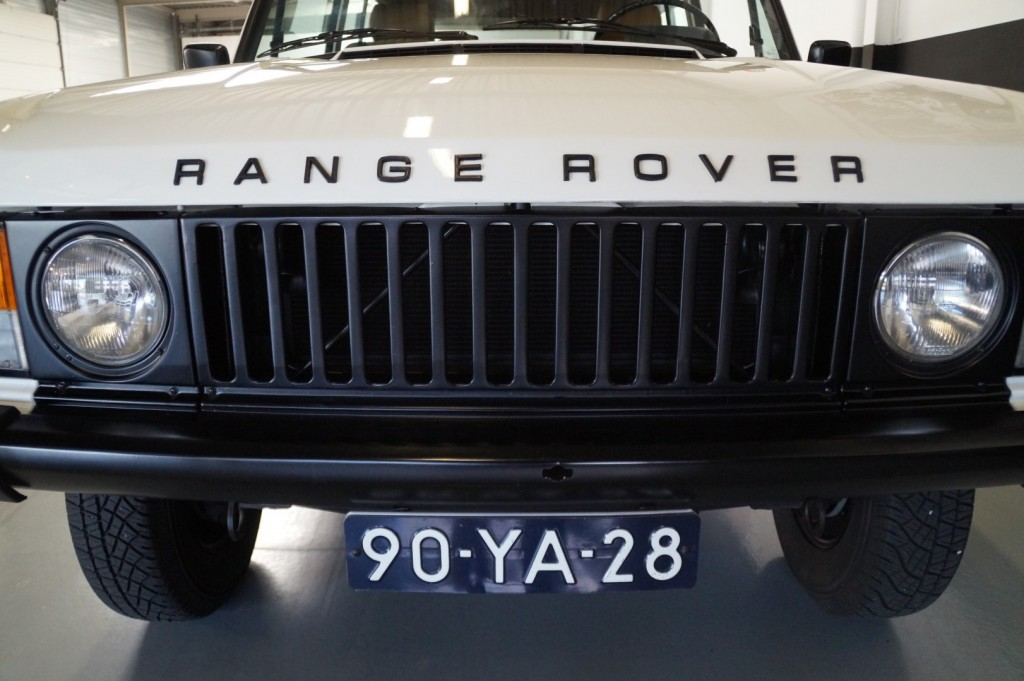 Buy this LAND ROVER RANGE ROVER 1977  at Legendary Classics (11)