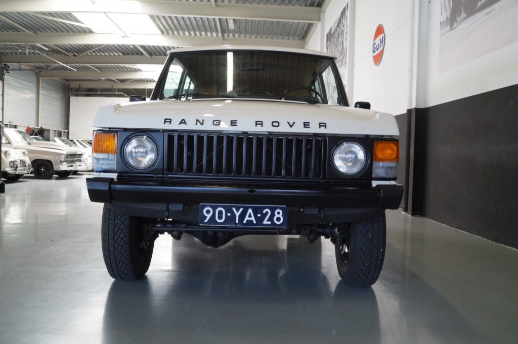 Buy this LAND ROVER RANGE ROVER 1977  at Legendary Classics (15)