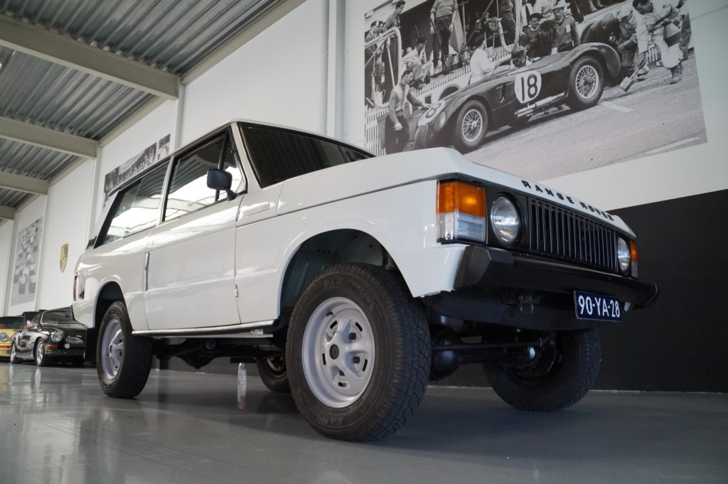 Buy this LAND ROVER RANGE ROVER 1977  at Legendary Classics (17)