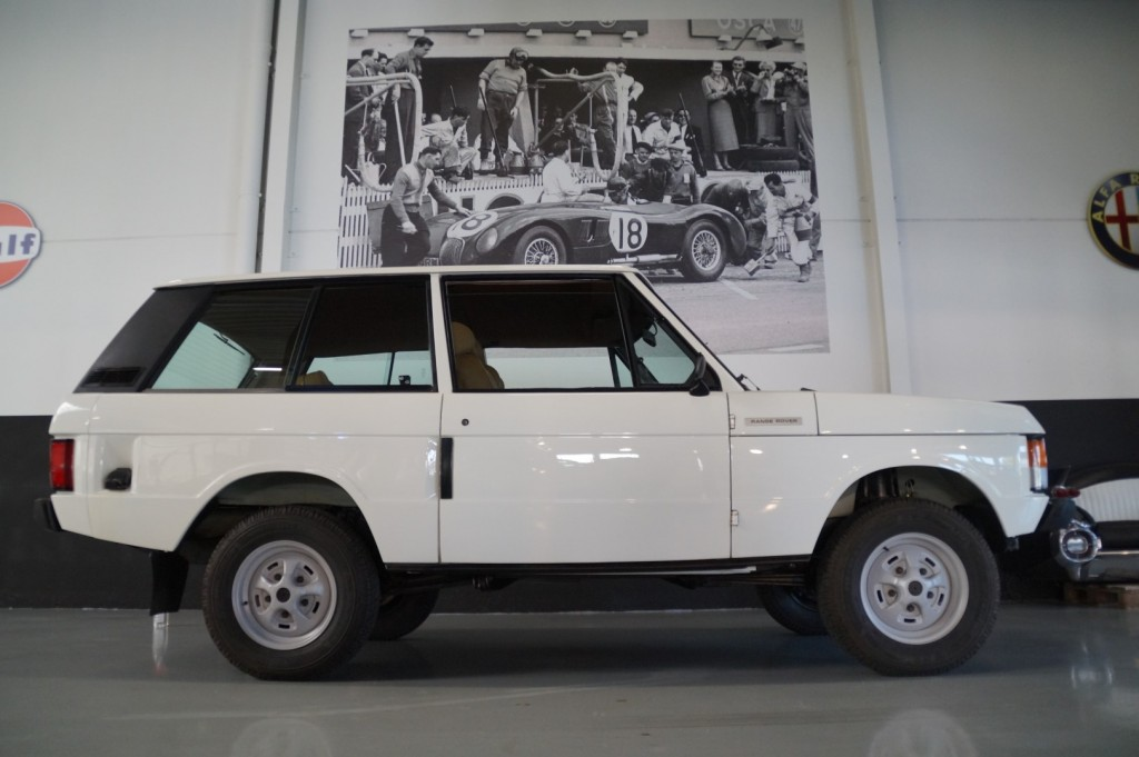 Buy this LAND ROVER RANGE ROVER 1977  at Legendary Classics (19)